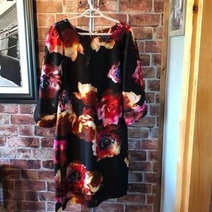 Floral dress . Heavy fabric . Excellent condition